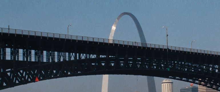 Arch%20%26%20Eads%20Bridge%20-%20St.%20Louis