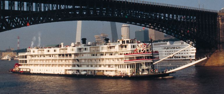 St.%20Louis%20Riverboat%20on%20the%20Mississippi